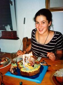 kat-eating-cake